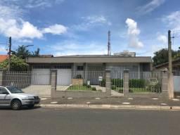 Linda residência de alto padrão no coração do Jd. Carvalho - A/C Apartamento na negociação