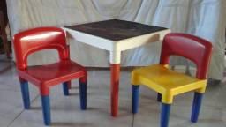 Mesa infantil , entrego gratis