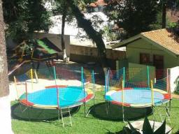 Aluguel de cama elástica e piscina de bolinhas