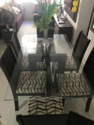 Mesa de 6 cadeira e tampo de vidro 500,00