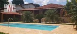 Linda chácara com paisagismo, piscina, espaço gourmet, 03 dormitórios em Tuiuti sp