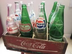 Engradado Coca-Cola com garrafas