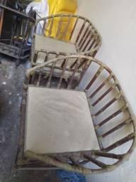 Vendo essas duas cadeiras por 120 reais