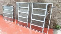 Basculantes de ferro para cozinha e banheiro usado.