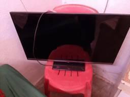 TV de 32 smart com defeito display  valor 220