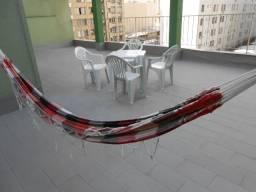 Apartamento com terraço privativo bem no centro