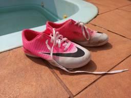 Chuteira Nike 35