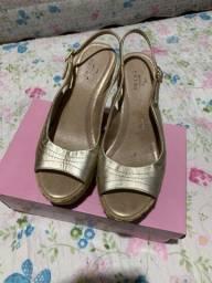 Sandalia anabela 37 dourada couro legítimo nova