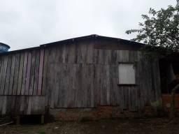 Vende-se está casa no Jorge lavorcat aceito propostas tem um salão na frente