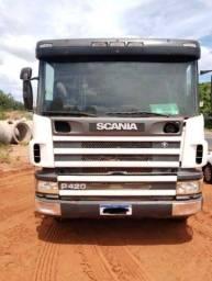 Caçamba Scania 124 P420 6x4 trabalhando