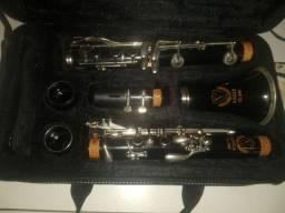 Clarinete CL 04N Eagle em excelente estado e pouco usado