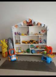 Vende-se casinha para organizar brinquedos!!