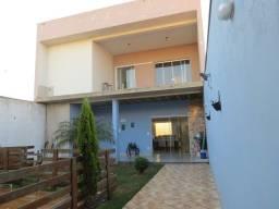 Título do anúncio: Casa na cidade de Araras - Bosque dos Ipês- *com sala individual para trabalho*