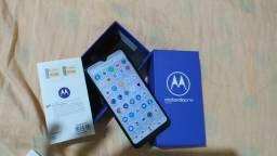 Motorola one macro, 64gb , 4 de ram