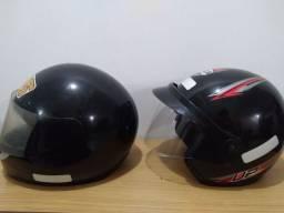 Vende dois capacetes Tam. 60