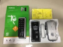 Fechadura digital com biometria intelbras FR220