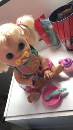 Baby Alive comer e brincar