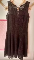 Vestido de renda M