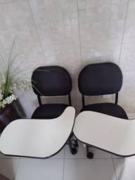 Cadeiras de Manicure pretas menos de 1 ano de uso