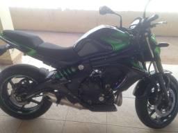 Moto ER6N Kawasaki