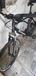 Bicicleta aro 26 com freios a disco