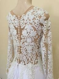 Vestido de noiva em corte evasê tamanho 46