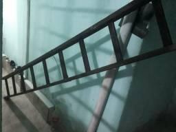 Escada 12 degraus madeira