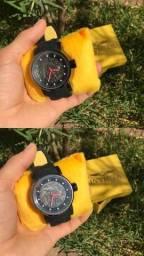 Título do anúncio: Relógio Invicta Yakuza Novo