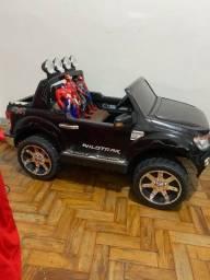 Carro elétrico criança