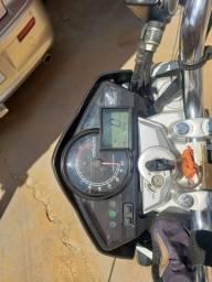 CB 300r 2012 customizada ,Moto para pessoas exigente  é só abastecer e rodar...