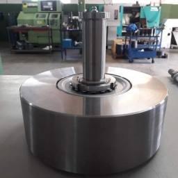 Conjunto rolete/rolo de apoio para caminhão betoneira