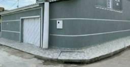 Alugo casa com garagem