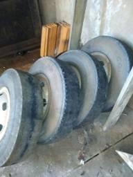Vendo 4 calhas aro 16 com pneus meia vida