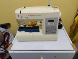 Vendo máquina de costura Singer 6180