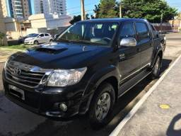 Vendo Hilux SRV 2012, a diesel, único dono e em ótimo estado de conservação - 2012