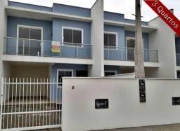 Sobrado Geminado com 3 Quartos e 2 Vagas de Garagem no bairro Vila Nova