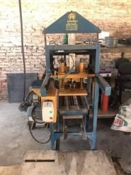 Vendo ou troco máquina de fabricar tijolos