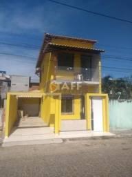 RM:Belo duplex com 2 quartos à venda em Unamar-Cabo Frio!!!