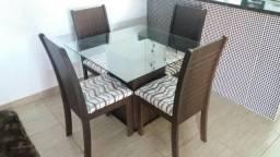 Mesa de jantar 4 cadeiras