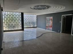 Excelente casa de 5/4 com 4 suites próxima ao Emec , FAT, Hotel Acalanto e Banco do Brasil