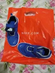 Tênis Nike original Tamanho 32/33 sem uso!