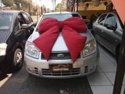 Ford Fiesta Sedan 1.0 2009 Prata Impecável (S/ Entrada R$: 599,90) Financie Fácil