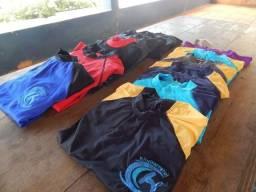 Camisetas para esportes aquáticos