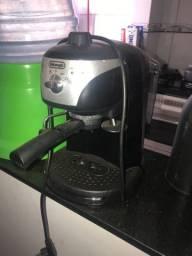 Máq. café expresso pra conserto Ou retirada peças