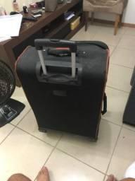 Vende-se mala usada com marcas