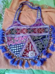 Bolsa vintage bordada roxa estilo indiano