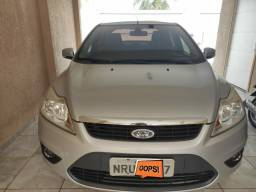 Ford Focus GLX sedan 2.0 ano 2012