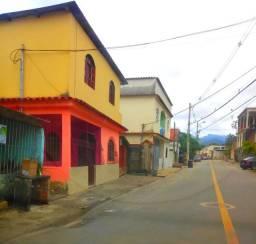 05 - Casa 3 Qts no Centro de Viana - Negocio