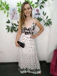 Vestido poá branco longo feminino