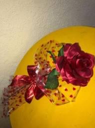 Faça sua encomenda para o dia das mães - Rosa de cetim com laços de fita